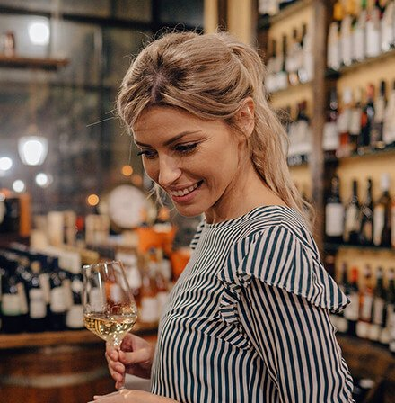Liquor and wine specialty store